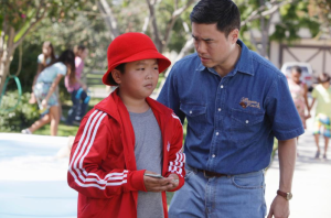 Eddie scheming to give Honey a Cattleman's Ranch coupon. (@FreshOffABC/Twitter)