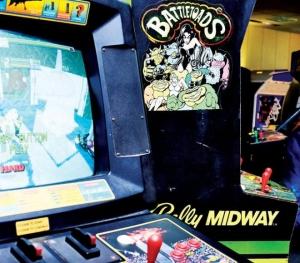 Vintage arcade game at Arcade Legacy in Forest Fair Village - Photo: Jesse Fox